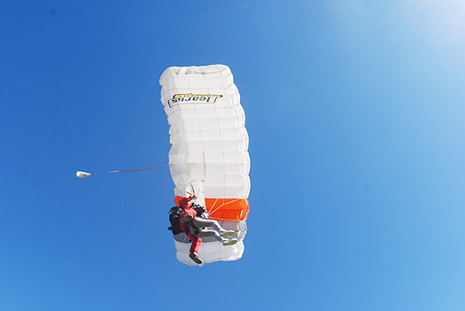 Skydive Center - Paracaidismo en Chascomús, Buenos Aires